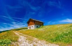 Γοητευτικό σπίτι στις Άλπεις Στοκ φωτογραφίες με δικαίωμα ελεύθερης χρήσης