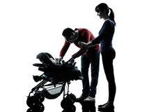 Γονείς με τη σκιαγραφία μωρών Στοκ Εικόνα