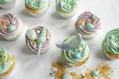Γοργόνα cupcakes και άμμος Στοκ φωτογραφίες με δικαίωμα ελεύθερης χρήσης