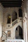 Γοτθική αρχιτεκτονική που χρονολογείται 15ος αιώνας στο παλάτι Στοκ εικόνες με δικαίωμα ελεύθερης χρήσης