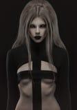 Γοτθική γυναίκα στη δημιουργική μαύρη εξάρτηση στοκ φωτογραφία