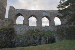 Γοτθική δημόσια καταστροφή κάστρων Velhartice, Czechia, arcade, γέφυρα, πύργος τοίχων, πύλη Στοκ Εικόνες