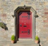 Γοτθική κόκκινη μπροστινή πόρτα Στοκ Εικόνα