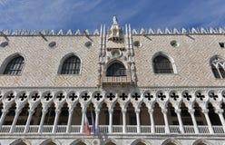 Γοτθική πρόσοψη Doge του παλατιού στη Βενετία, Ιταλία Στοκ εικόνες με δικαίωμα ελεύθερης χρήσης
