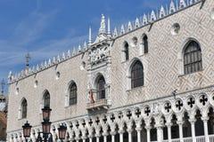 Γοτθική πρόσοψη Doge του παλατιού στη Βενετία, Ιταλία Στοκ φωτογραφία με δικαίωμα ελεύθερης χρήσης