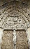 Γοτθική πόρτα εκκλησιών Στοκ Εικόνες