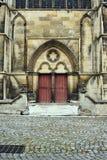 Γοτθική πύλη του καθεδρικού ναού Troyes Στοκ φωτογραφία με δικαίωμα ελεύθερης χρήσης