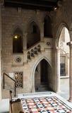 Γοτθική στοά και εσωτερικό προαύλιο στο παλάτι Generalitat de Cata Στοκ εικόνα με δικαίωμα ελεύθερης χρήσης