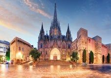 Γοτθικός καθεδρικός ναός της Βαρκελώνης τη νύχτα, Ισπανία στοκ εικόνες