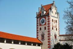 Γοτθικός πύργος ρολογιών κάστρων Στοκ εικόνα με δικαίωμα ελεύθερης χρήσης