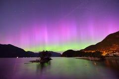 Γούνινος κολπίσκος και αυγή στα μεσάνυχτα στοκ εικόνα με δικαίωμα ελεύθερης χρήσης
