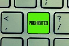 Γράψιμο κειμένων γραφής που απαγορεύεται Έννοια που σημαίνει κάτι που έχουν απαγορεύσει απαγορευμένος περιορισμένος απορριφθείς στοκ εικόνες