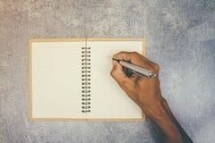 Γράψιμο μανδρών χρήσης χεριών Στοκ φωτογραφία με δικαίωμα ελεύθερης χρήσης