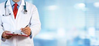 γράψιμο χεριών γιατρών Στοκ φωτογραφίες με δικαίωμα ελεύθερης χρήσης