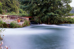 γρήγορα ρέοντας ποταμός Στοκ Εικόνα