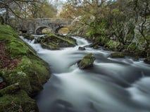 Γρήγορα ρέοντας ποταμός Ogwen Στοκ Εικόνες