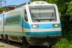 Γρήγορη αμαξοστοιχία περιφερειακού σιδηροδρόμου Στοκ Φωτογραφίες