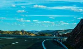 Γρήγορος δρόμος στα βουνά στην Ισπανία, όμορφο τοπίο του moun Στοκ φωτογραφίες με δικαίωμα ελεύθερης χρήσης