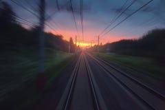 Γρήγορο θολωμένο κίνηση αφηρημένο υπόβαθρο σιδηροδρόμων ταχύτητας Στοκ Φωτογραφίες
