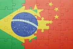 Γρίφος με τη εθνική σημαία της Βραζιλίας και της Κίνας Στοκ Φωτογραφίες