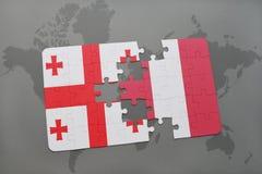 γρίφος με τη εθνική σημαία της Γεωργίας και του Περού σε έναν παγκόσμιο χάρτη Στοκ Εικόνες