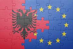 Γρίφος με τη εθνική σημαία της ευρωπαϊκής ένωσης της Αλβανίας και Στοκ Εικόνες