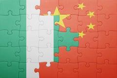 Γρίφος με τη εθνική σημαία της Κίνας και της Νιγηρίας Στοκ Εικόνα