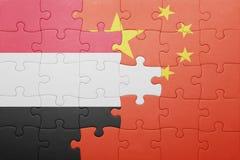 Γρίφος με τη εθνική σημαία της Κίνας και της Υεμένης Στοκ φωτογραφία με δικαίωμα ελεύθερης χρήσης