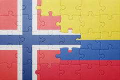 Γρίφος με τη εθνική σημαία της Κολομβίας και της Νορβηγίας Στοκ φωτογραφία με δικαίωμα ελεύθερης χρήσης