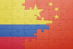 Γρίφος με τη εθνική σημαία της Κολομβίας και της Κίνας Στοκ Φωτογραφία