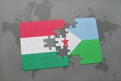 γρίφος με τη εθνική σημαία της Ουγγαρίας και του Τζιμπουτί σε έναν παγκόσμιο χάρτη Στοκ Εικόνα