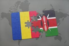 γρίφος με τη εθνική σημαία της Ρουμανίας και της Κένυας σε έναν παγκόσμιο χάρτη Στοκ φωτογραφίες με δικαίωμα ελεύθερης χρήσης
