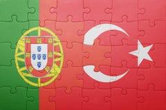 Γρίφος με τη εθνική σημαία της Τουρκίας και της Πορτογαλίας Στοκ εικόνα με δικαίωμα ελεύθερης χρήσης