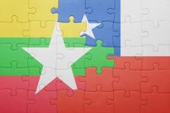 Γρίφος με τη εθνική σημαία της Χιλής και της Myanmar Στοκ φωτογραφία με δικαίωμα ελεύθερης χρήσης