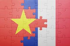 Γρίφος με τη εθνική σημαία του Βιετνάμ και της Γαλλίας Στοκ Φωτογραφία
