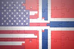 Γρίφος με τις εθνικές σημαίες των Ηνωμένων Πολιτειών της Αμερικής και της Νορβηγίας Στοκ Εικόνες