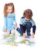 γρίφος παιχνιδιού κοριτσ στοκ εικόνα με δικαίωμα ελεύθερης χρήσης
