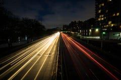 Γραμμές εθνικών οδών νύχτας στο μέλλον στοκ φωτογραφία