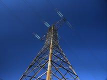 Γραμμές ηλεκτρικής δύναμης υψηλής τάσης Στοκ εικόνες με δικαίωμα ελεύθερης χρήσης