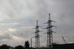 Γραμμές μετάδοσης δύναμης Στοκ Εικόνα