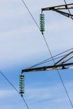 Γραμμές μετάδοσης ισχύος καλωδίων υψηλής τάσης Στοκ Εικόνα