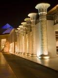 Γραμμές στυλοβατών στο κέντρο Ντουμπάι wafi Στοκ φωτογραφία με δικαίωμα ελεύθερης χρήσης