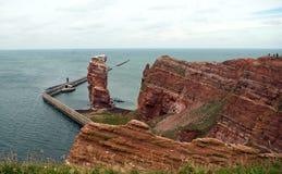 Γραμμή απότομων βράχων Heligoland με την ψηλή Anna Στοκ φωτογραφίες με δικαίωμα ελεύθερης χρήσης