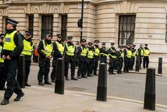 Γραμμή αστυνομίας - διαδήλωση διαμαρτυρίας - Λονδίνο Στοκ Φωτογραφία