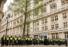 Γραμμή αστυνομίας - διαδήλωση διαμαρτυρίας - Λονδίνο Στοκ Εικόνες