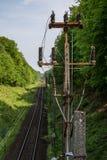 Γραμμή σιδηροδρόμων για τα τραίνα μεγάλων ραγών Γραμμή σιδηροδρόμων και electr Στοκ φωτογραφίες με δικαίωμα ελεύθερης χρήσης