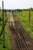 Γραμμή σιδηροδρόμων για τα τραίνα μεγάλων ραγών Γραμμή σιδηροδρόμων και electr Στοκ Εικόνες