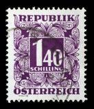 Γραμματόσημο που τυπώνεται στην Αυστρία, παρουσιάζουν οι αριθμοί, γραμματόσημα ονομαστικής αξίας Στοκ εικόνα με δικαίωμα ελεύθερης χρήσης