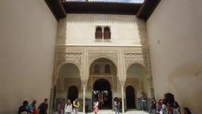 Γρανάδα, Ανδαλουσία, Ισπανία - 17 Απριλίου 2016: Alhambra παλάτι και φρούριο σύνθετα που εντοπίζει στη Γρανάδα φιλμ μικρού μήκους