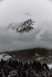 Γραπτά βουνά το χειμώνα Στοκ εικόνες με δικαίωμα ελεύθερης χρήσης